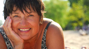 happy woman with no adverse effects to chiropractic treatment